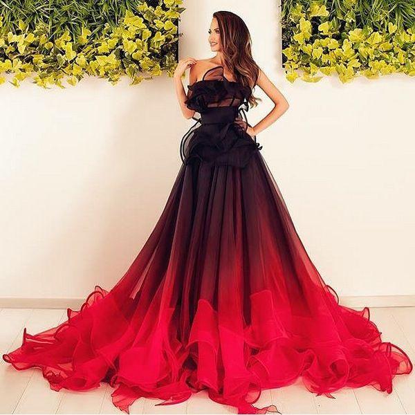 Как носить черное с красным