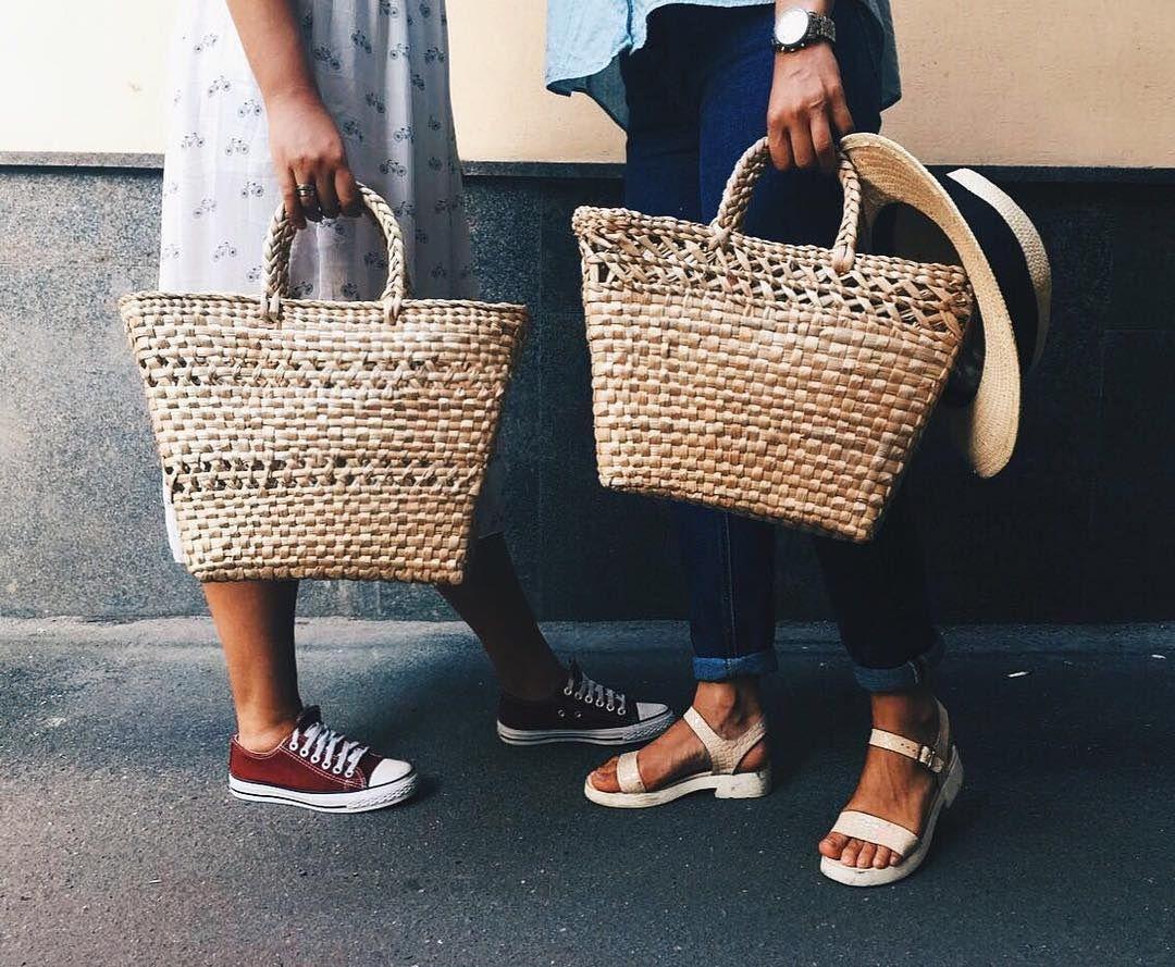 Плетеная сумка-корзинка - обязательный атрибут этой весны