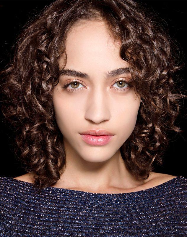 Лучшие антивозрастные средства для волос
