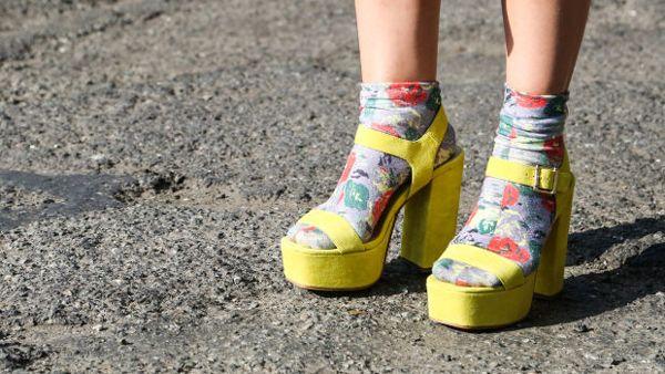 Босоножки с носками?