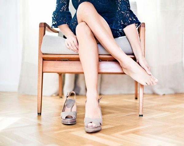 Как разносить жмущую обувь в домашних условиях