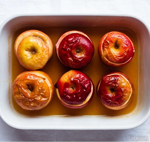при какой температуре запекать яблоки
