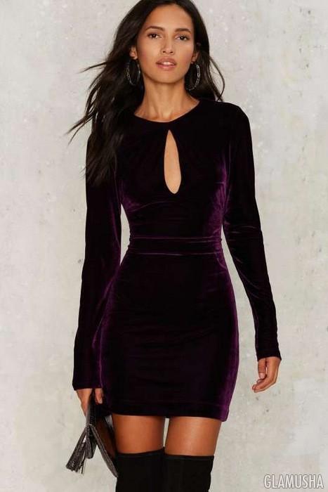 Бархатное платье и ботфорты