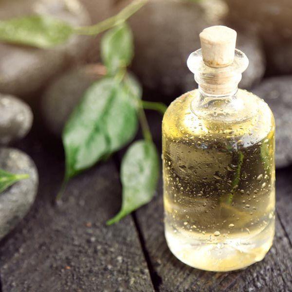 Масло чайного дерева для роста и укрепления волос