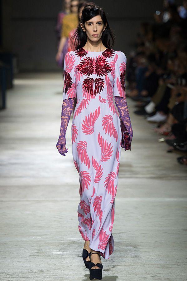 Модные тенденции 2016: Длинные рукава из прозрачной ткани и многослойность