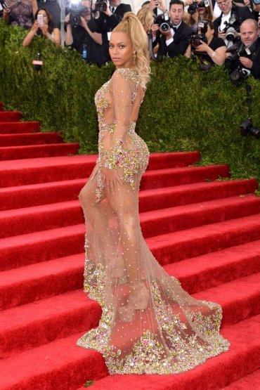 Голые платья знаменитостей