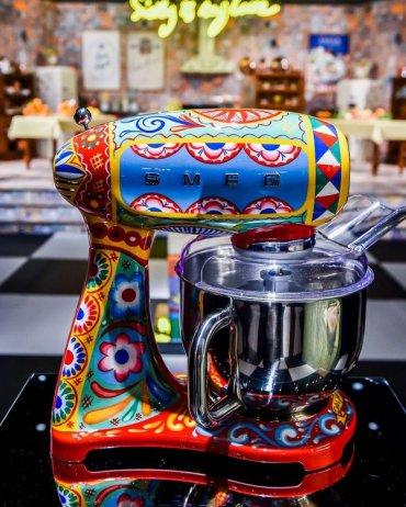 Dolce & Gabbana теперь на кухне
