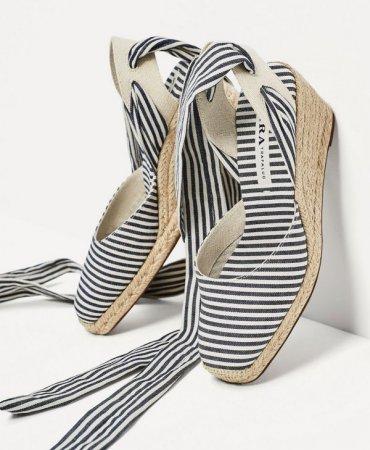 Как и с чем носить эспадрильи: популярные модели + модные образы