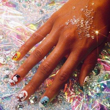 Как удалить лак для ногтей с различных поверхностей