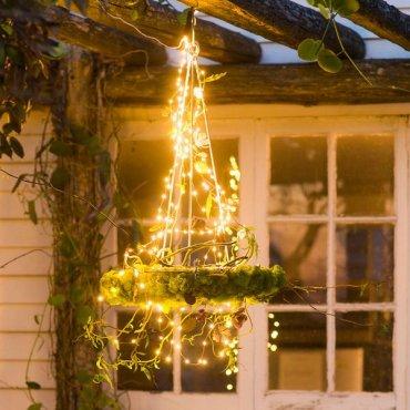Как украсить двор гирляндами: 8 фантастических идей