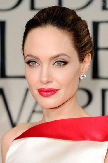 """Уроки стиля от Анджелины Джоли: """"надо брать"""""""